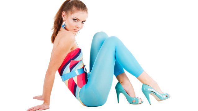 Картина девушка в голубом платье 4
