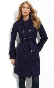 Nakoukněte! Zimní kabáty Mango, Roxy a Guess (http://www.luxurymag.cz)