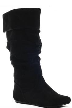 ... Černé kozačky – na klínku i bez podpatku (http   www.luxurymag ... 5a4954cbe9