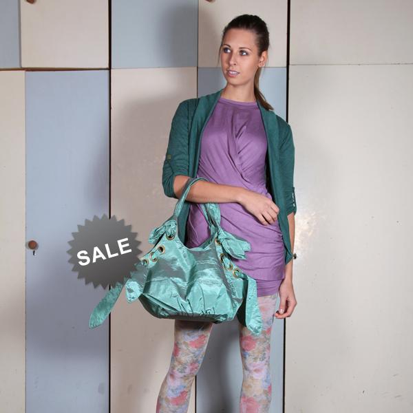 ... Zimní výprodej ve Flamingoparku (http   www.luxurymag.cz) f7c17510b7