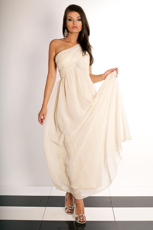Chcete nové šaty  Vsaďte na obchod e842115ff2a