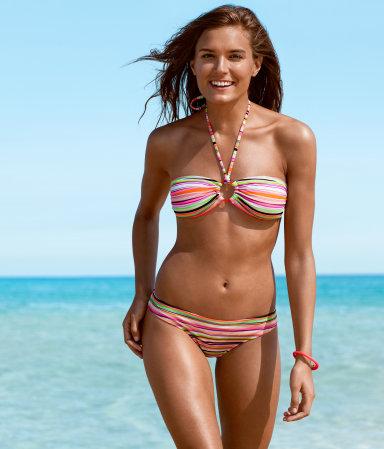 Plavky H&M pro léto 2013 (http://www.luxurymag.cz)