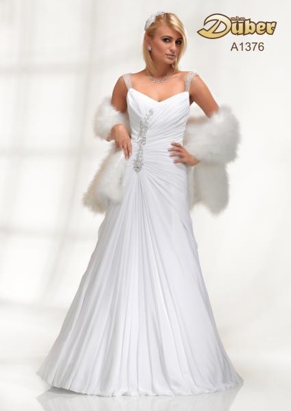 Svatební šaty jaro léto 2013 (http   www.luxurymag.cz 348b0fa999b