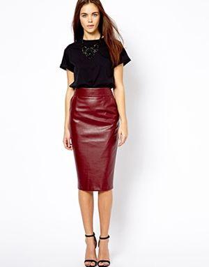 Falda de cuero: ¿cómo usarla?  (http://www.luxurymag.cz)