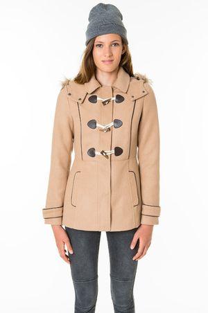 Trenca o abrigo con cierre de oliva (http://www.luxurymag.cz)