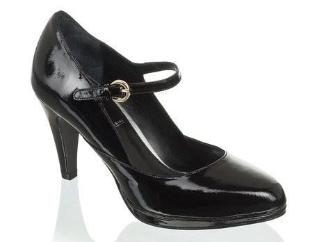 Where to buy ball shoes?  (http://www.luxurymag.cz)