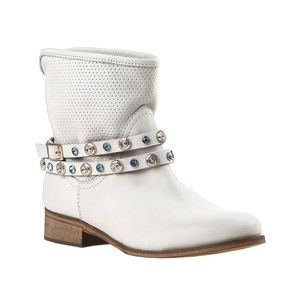 Do jara s novými botami   Kolekce Baťa jaro 2014 (http   www ... 01ff0392a2c