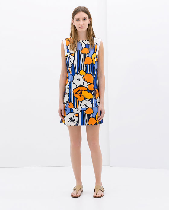 Spring women's dress 2014 - in the captivity of flowers and patterns (http://www.luxurymag.cz)