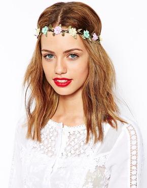 Jako květinová víla - věnečky do vlasů (http   www.luxurymag. 8a6421f03f