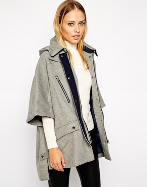 Hood as a hot news of autumn!  How to wear it?  (http://www.luxurymag.cz)