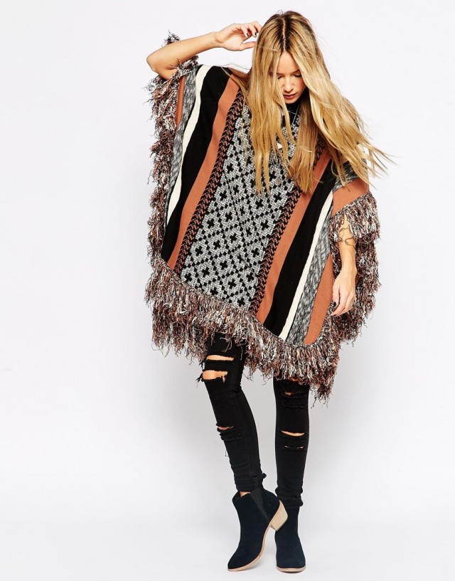 8b4cf9f93c5f Pončo je hit podzimních módních trendů