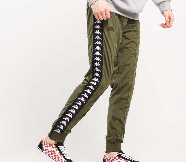 Od ponožek s Káčkem k pestré paletě oblečení  Je libo kousek značka ... 5cd6cd4fe98