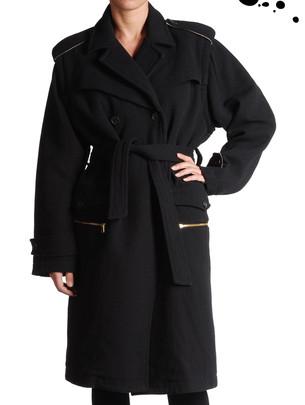 Stylová i v chadném počasí / Dámské kabáty a kabátky 2008 (www.luxurymag.cz)