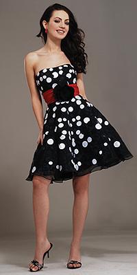 Večerní šaty pro všechny / Večerní šaty 2009 (www.luxurymag.cz)