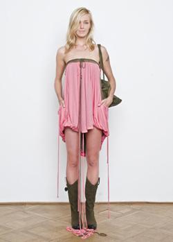 Monika Drápalová a její móda plná překvapení / Monika Drápalová Profil (www.luxurymag.cz)