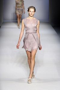 Fashion Trends jaro 2010: Šaty pro vílu (www.luxurymag.cz)