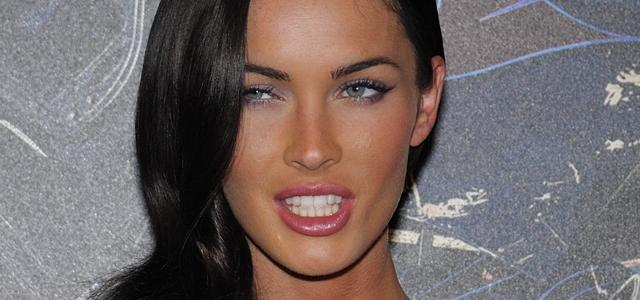 Sexy Megan Fox v kampani Emporio Armani